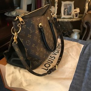 ;Authentic Louis Vuitton Bag